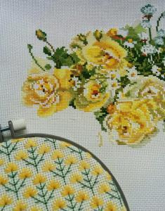 バラの刺しゅう糸を使いました