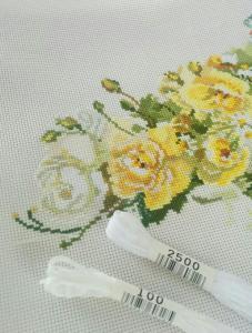 コスモの白刺しゅう糸